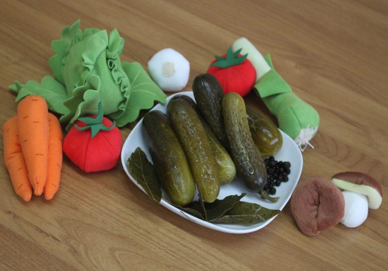 Огурцы соленые в кастрюле - как вкусно приготовить и можно ли хранить