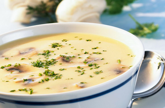 Нежнее нежного: как приготовить сырный суп с грибами